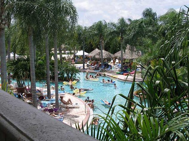 Caliente pool